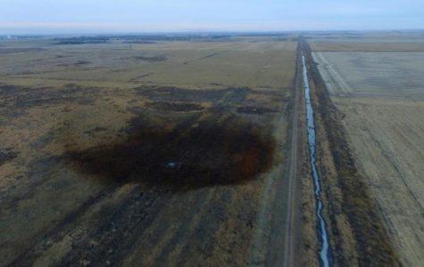 Oil Leak Adding Fuel to Pipeline Controversy