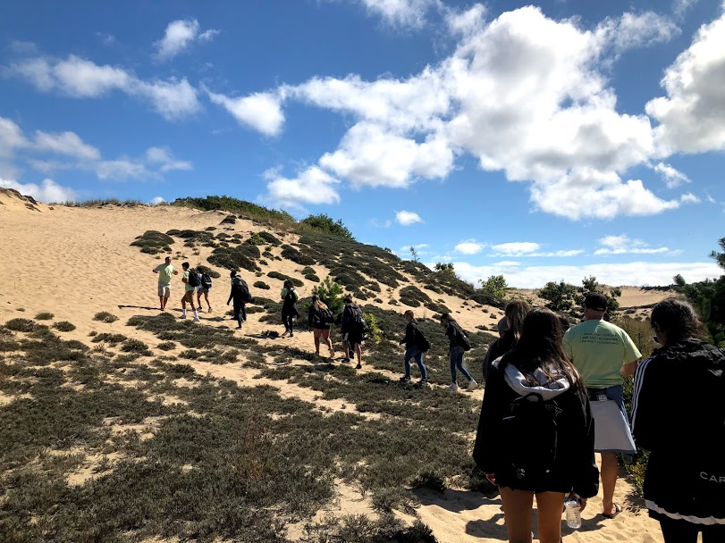 Students+going+along+the+Walking+Dunes+Trail+in+Montauk.