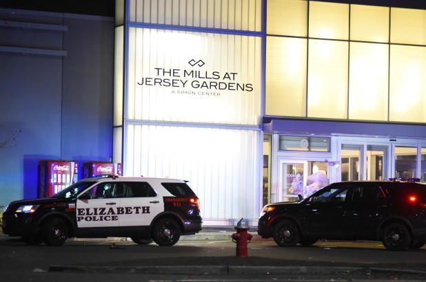 Jersey Gardens Mall Black Friday 11