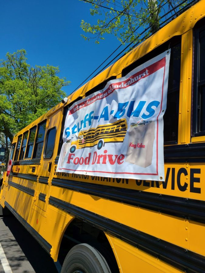 Lindy Teachers Stuff a Bus for Charity!