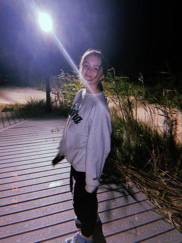 Photo of Brooke Elliott